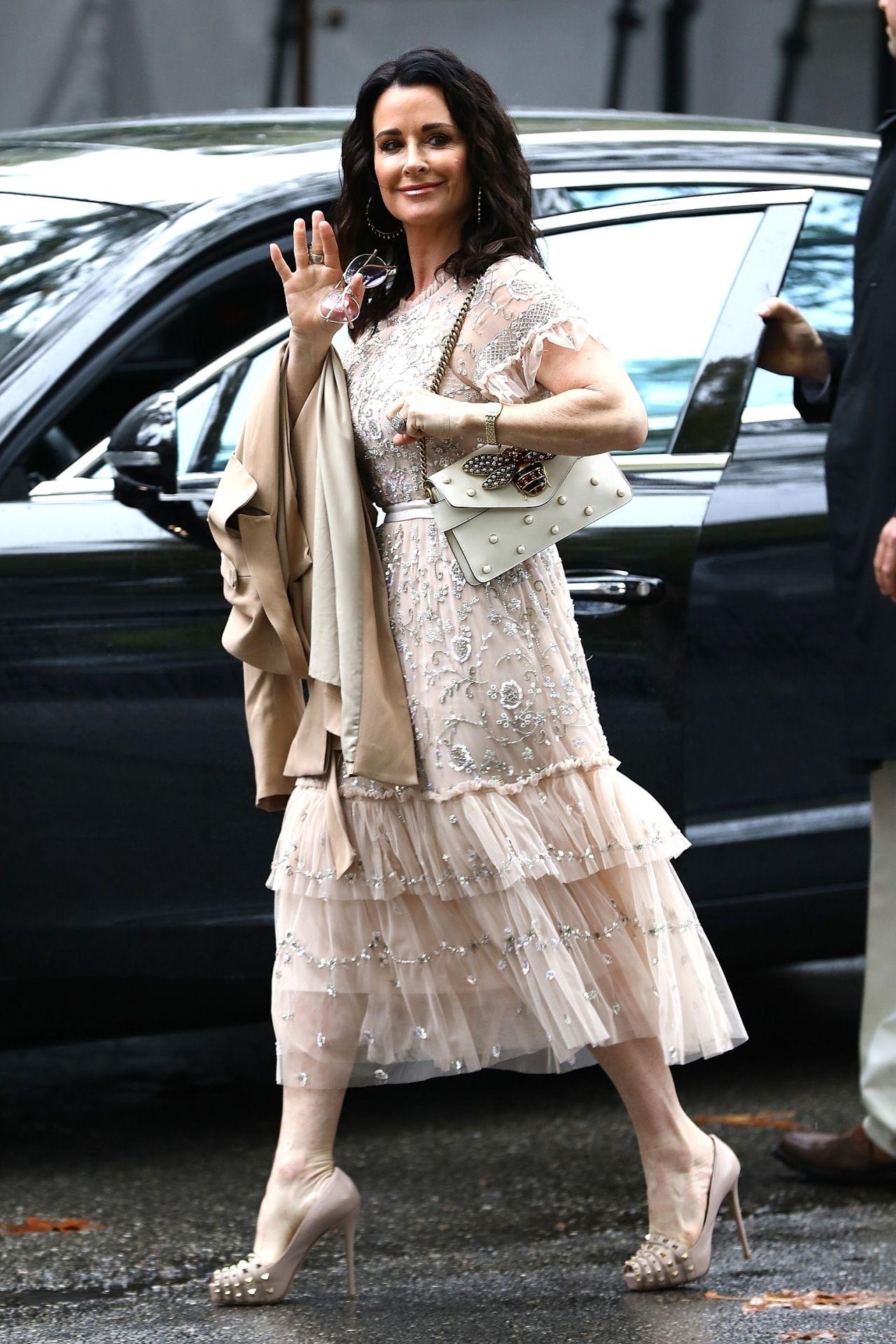Kyle Richards Arriving at Khloe Kardashian s Baby Shower at the