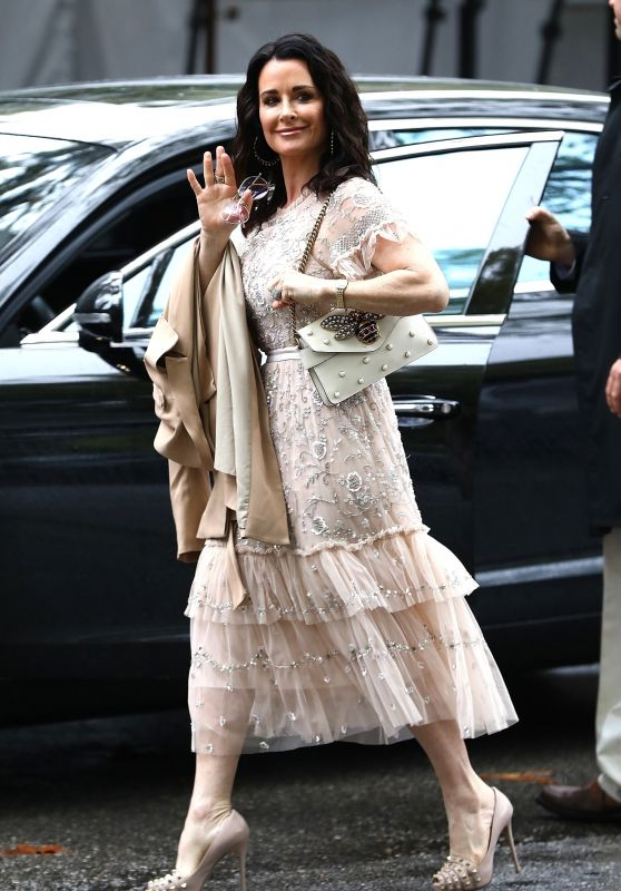 Kyle Richards - Arriving at Khloe Kardashian
