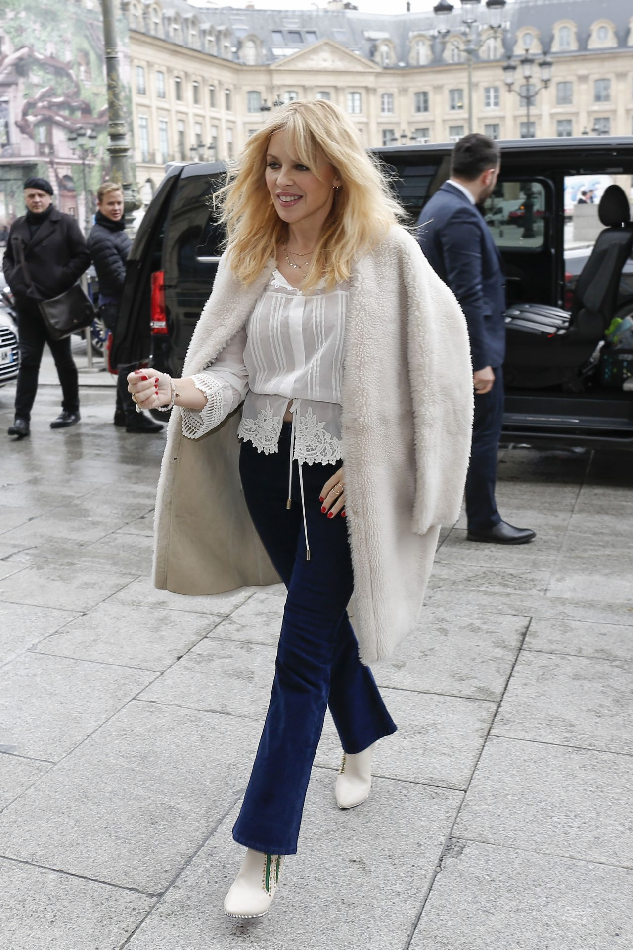 Kylie Minogue Cute Style Arriving At Her Hotel In Paris