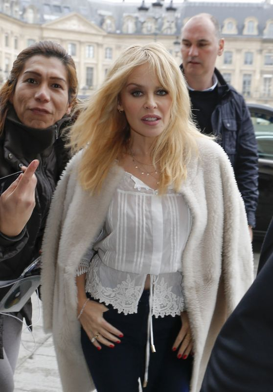 Kylie Minogue Cute Style - Arriving at Her hotel in Paris 03/19/2018