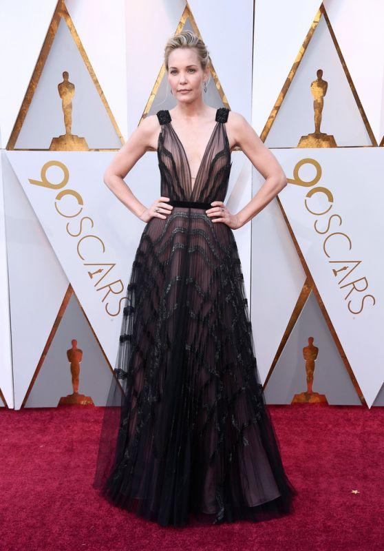 Leslie Bibb – Oscars 2018 Red Carpet
