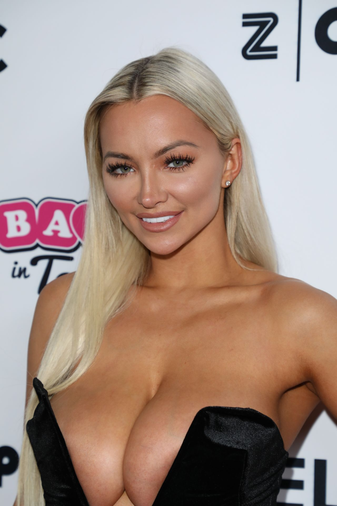 Lindsey Pelas  Babes In Toyland Pet Edition Fundraiser In -7600