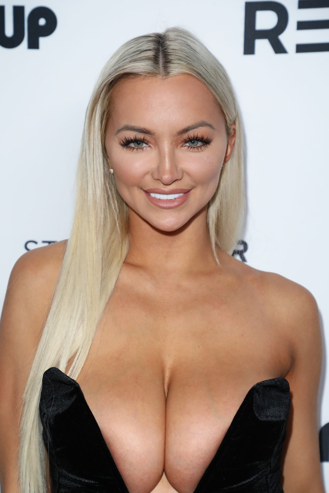 Lindsey Pelas  Babes In Toyland Pet Edition Fundraiser In -9112