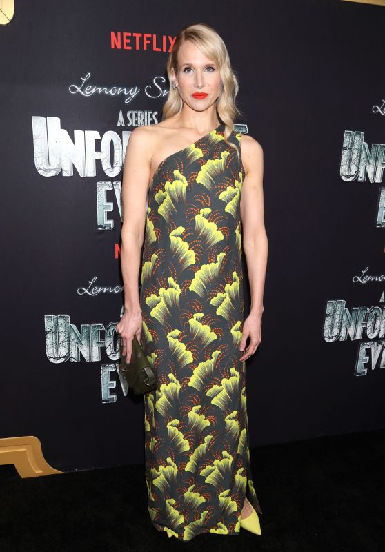 """Lucy Punch – """"A Series of Unfortunate Events"""" TV Show Premiere in NYC"""
