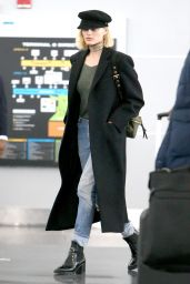 Margot Robbie at New York Airport 03/12/2018