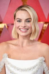 Margot Robbie – Oscars 2018 Red Carpet