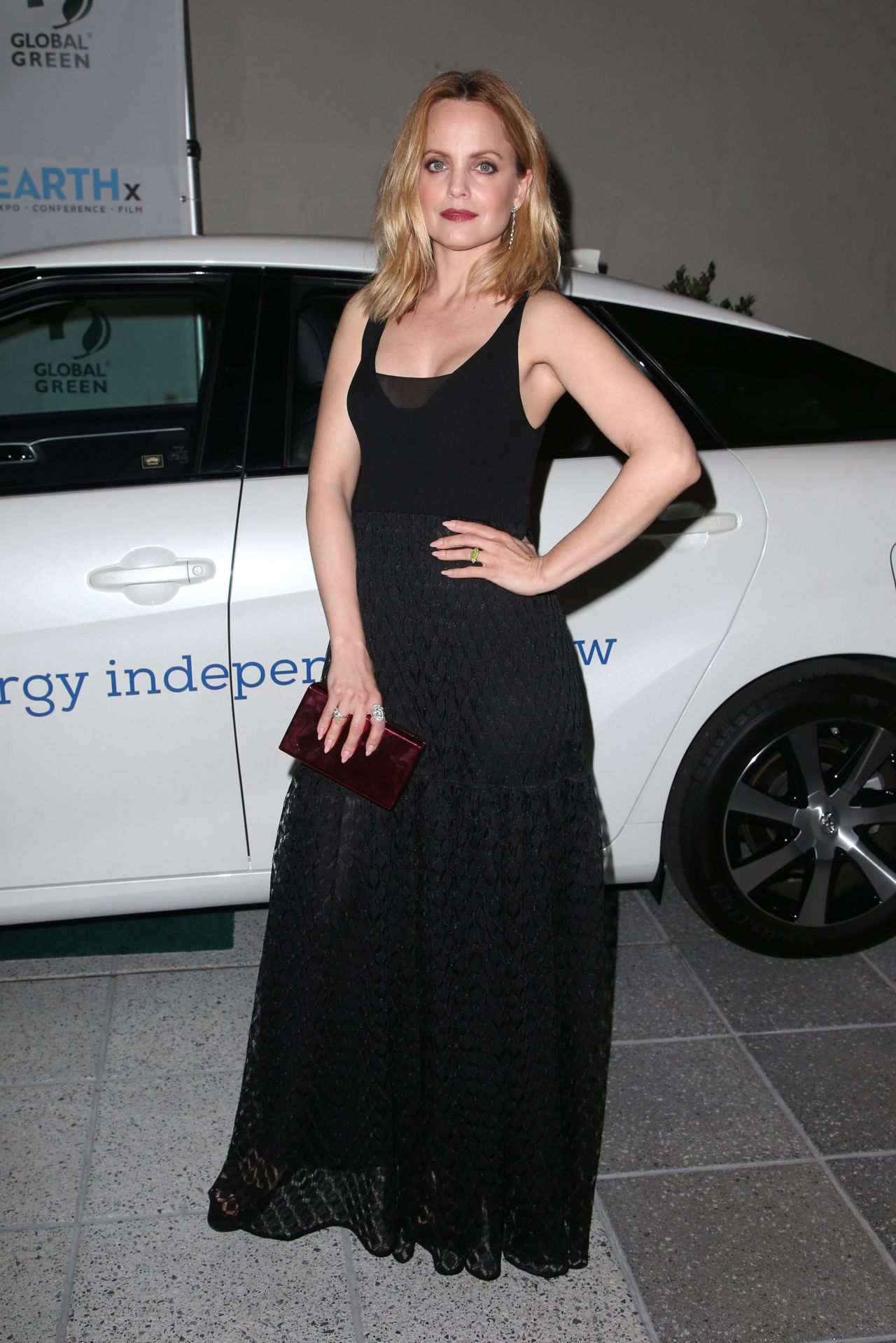 http://celebmafia.com/wp-content/uploads/2018/03/mena-suvari-2018-academy-awards-global-green-pre-oscars-party-in-la-6.jpg