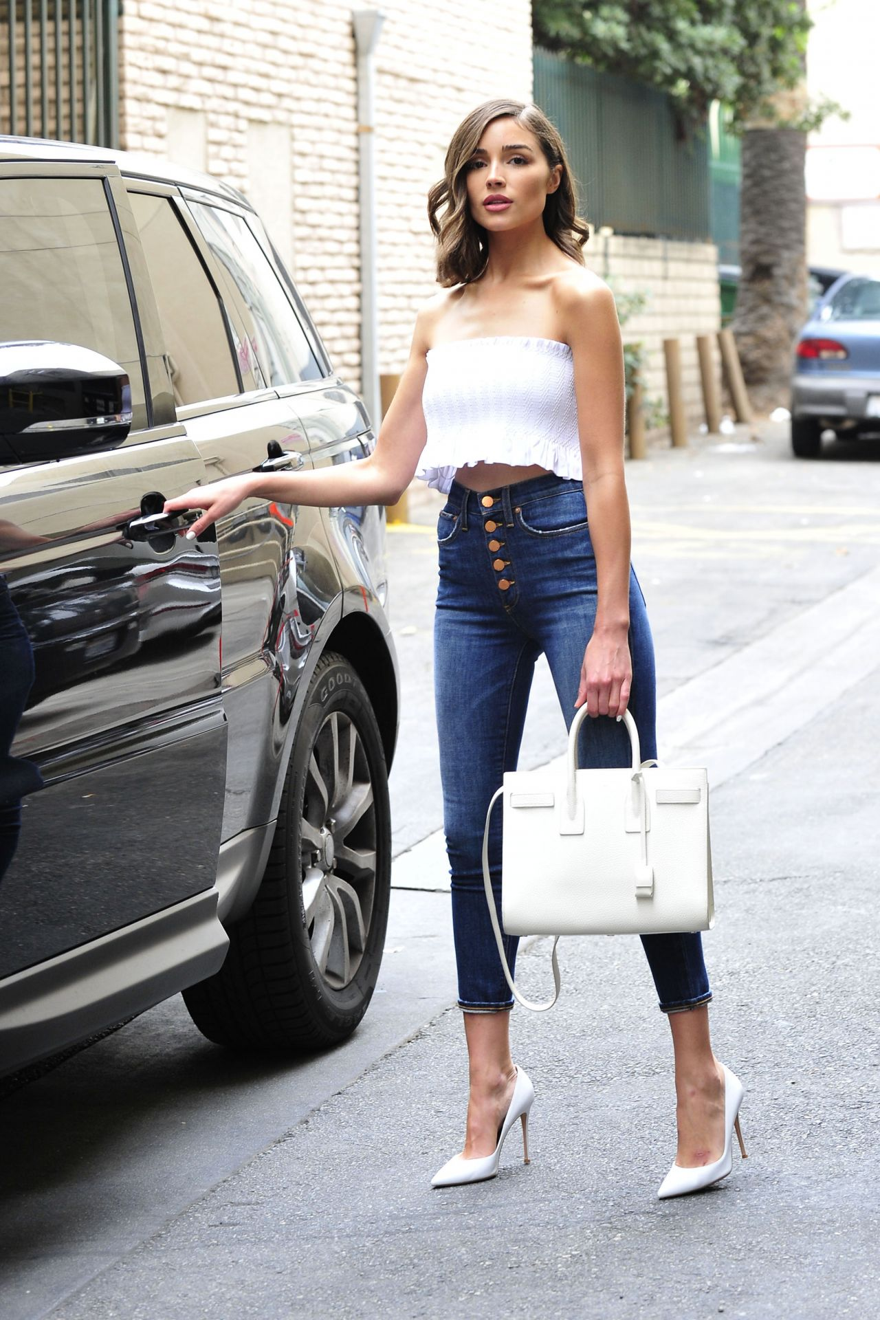 Olivia Culpo Street Fashion Out In Los Angeles 03 20 2018
