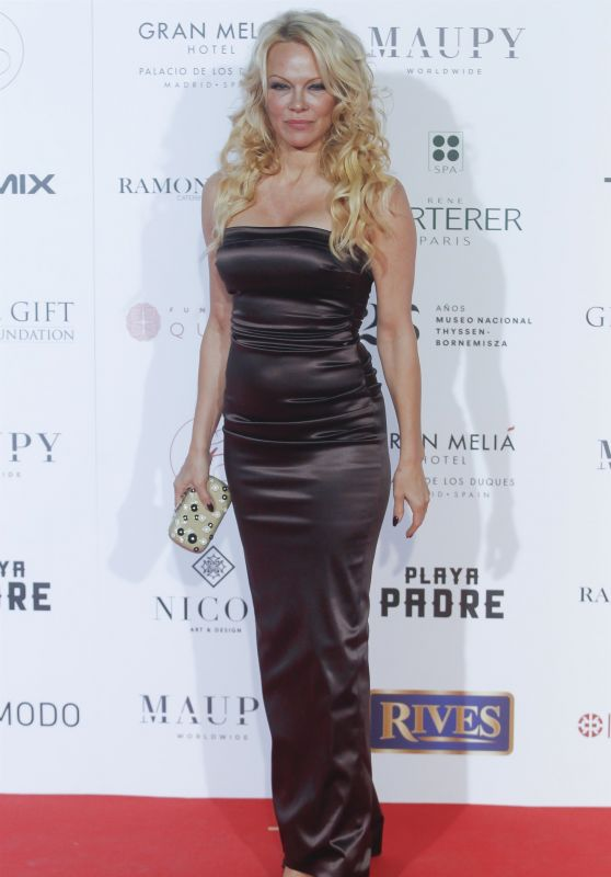 Pamela Anderson - Global Gift Gala 2018 in Madrid