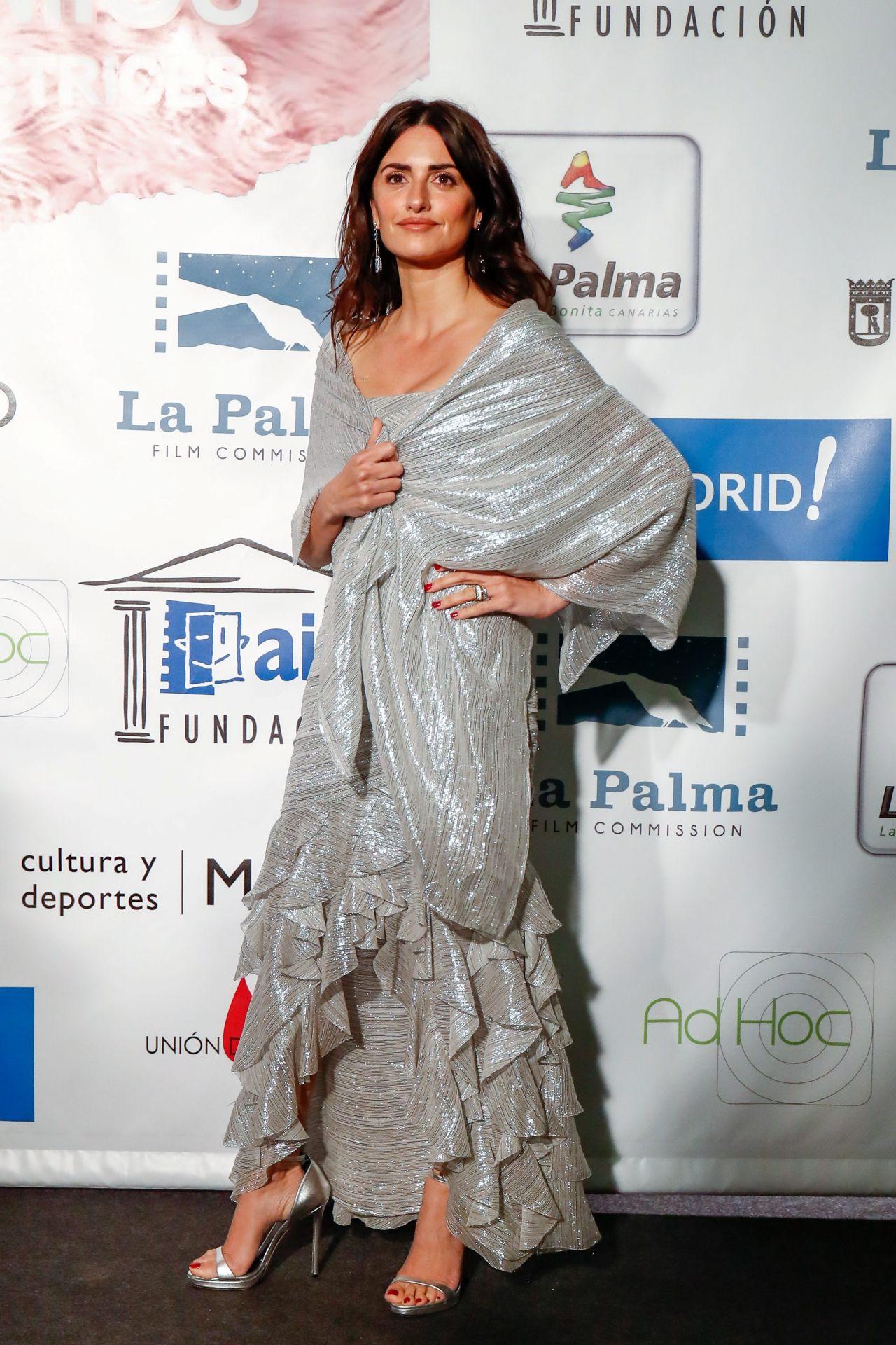 http://celebmafia.com/wp-content/uploads/2018/03/penelope-cruz-actors-and-actresses-union-awards-2018-in-madrid-6.jpg