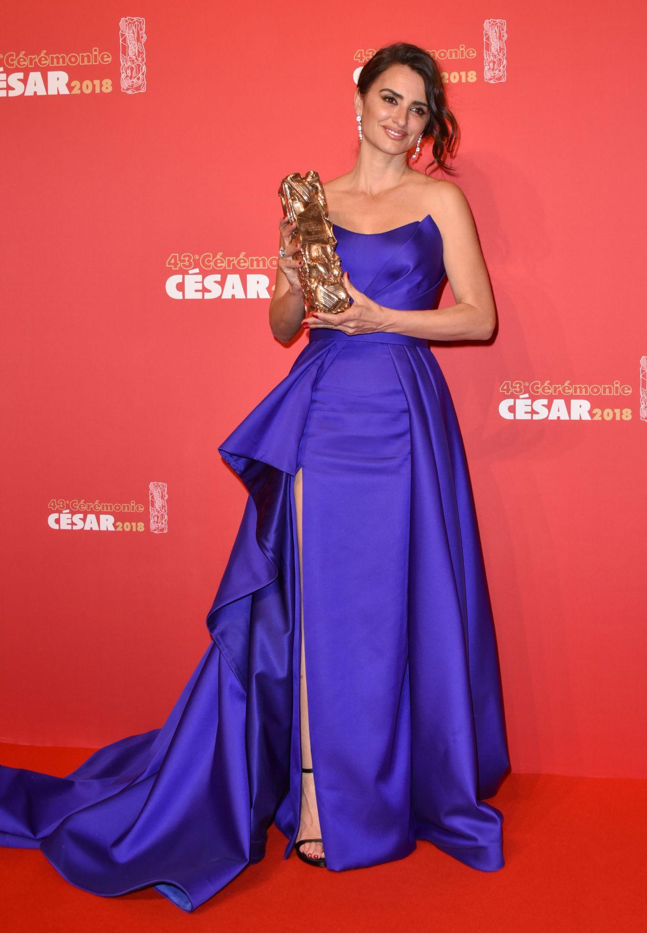 http://celebmafia.com/wp-content/uploads/2018/03/penelope-cruz-cesar-film-awards-2018-in-paris-8.jpg