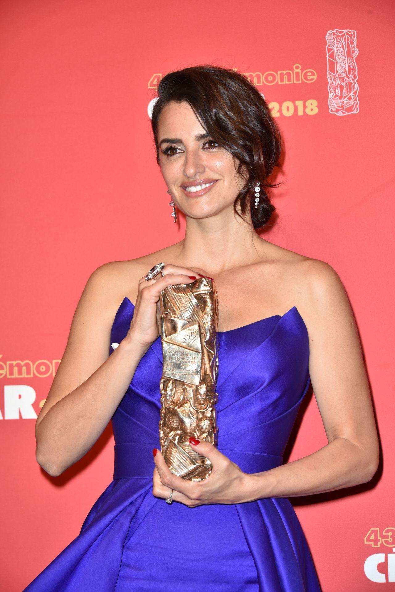 http://celebmafia.com/wp-content/uploads/2018/03/penelope-cruz-cesar-film-awards-2018-in-paris-9.jpg