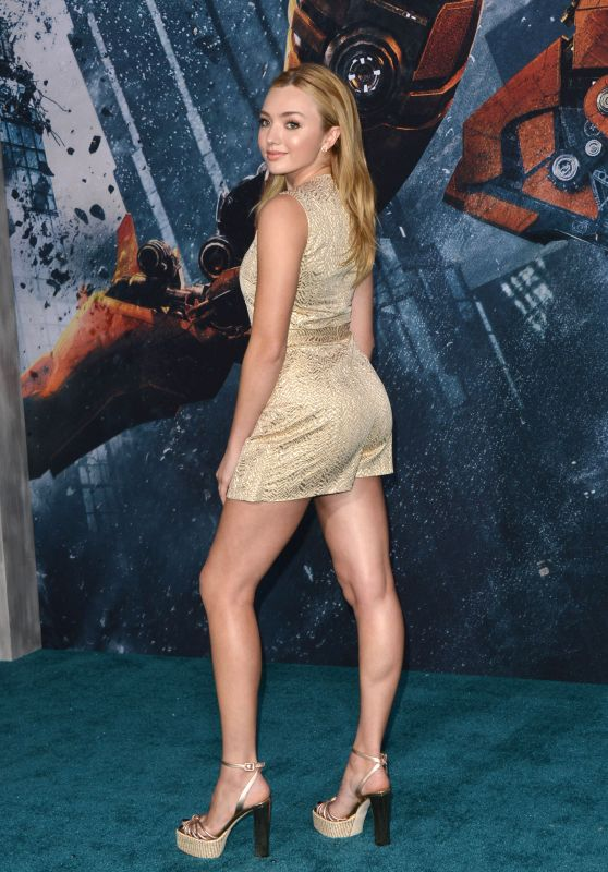 """Peyton Roi List – """"Pacific Rim Uprising"""" Premiere in Hollywood"""