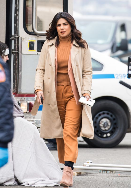 "Priyanka Chopra - ""Quantico"" Set in Red Hook in Brooklyn 03/12/2018"