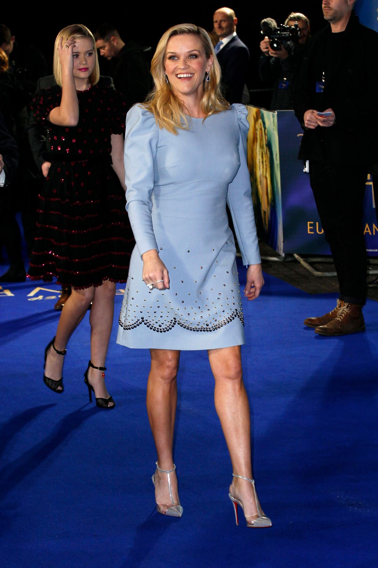 http://celebmafia.com/wp-content/uploads/2018/03/reese-witherspoon-a-wrinkle-in-time-premiere-in-london-5.jpg