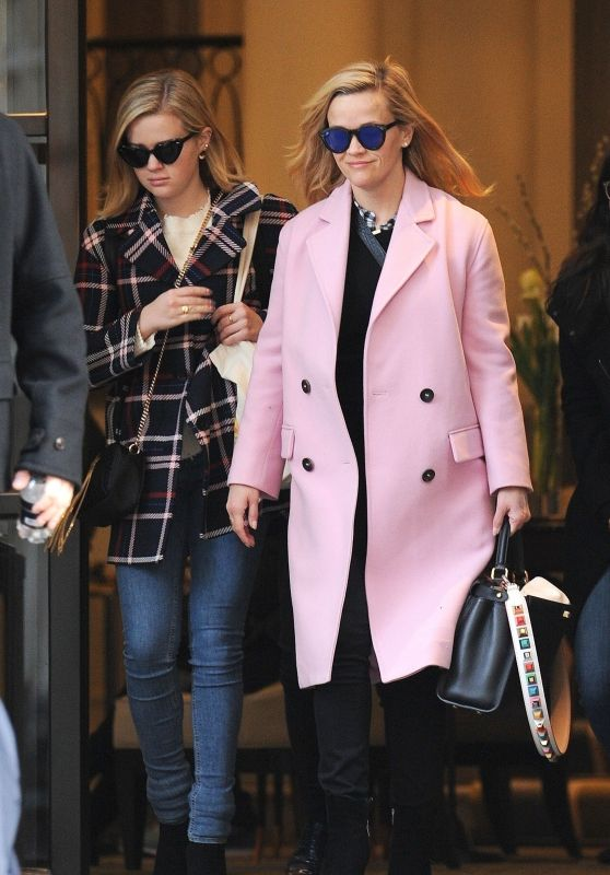 Reese Witherspoon and Ava Phillippe Leaving The Corinthia Hotel in London 03/14/2018