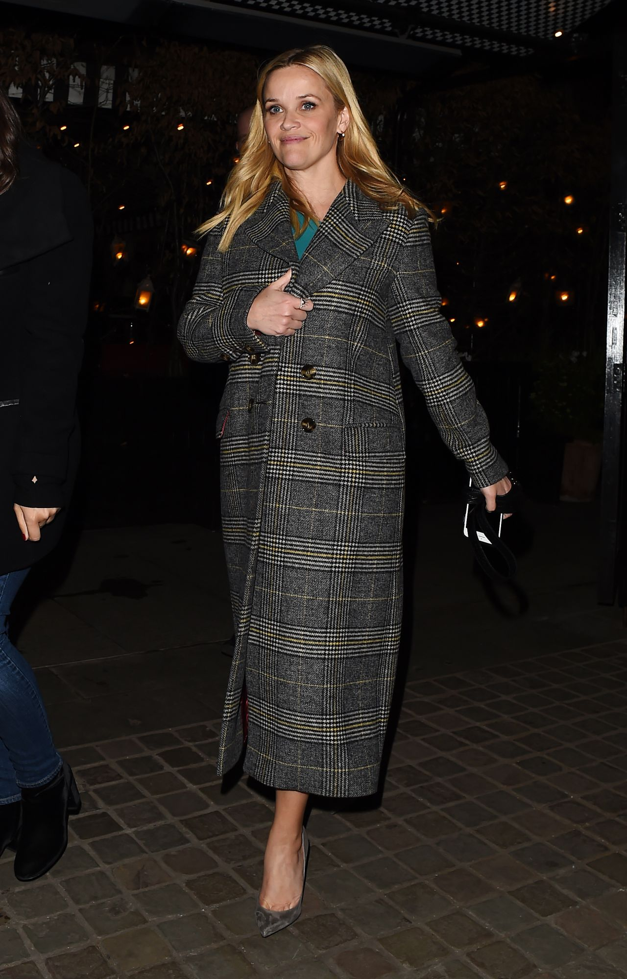 http://celebmafia.com/wp-content/uploads/2018/03/reese-witherspoon-chiltern-firehouse-in-london-03-12-2018-4.jpg