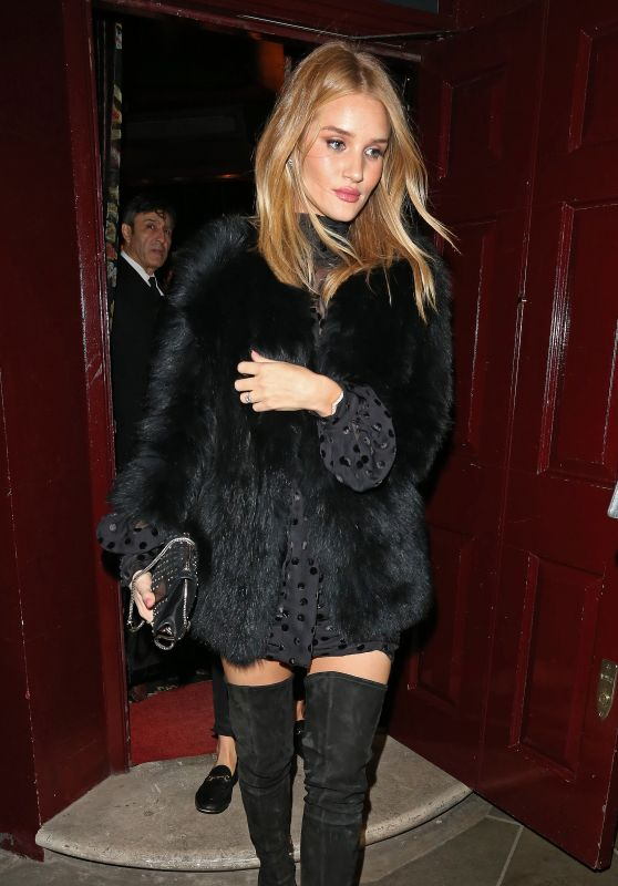 Rosie Huntington-Whiteley Night Out at LouLou