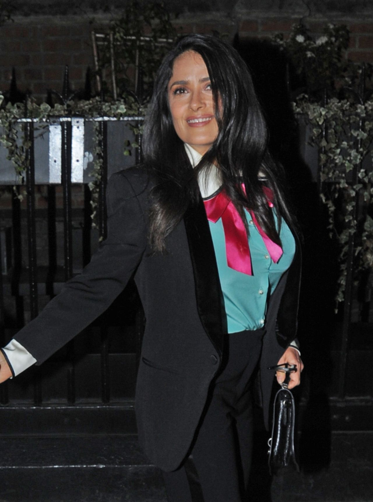 http://celebmafia.com/wp-content/uploads/2018/03/salma-hayek-chiltern-firehouse-in-london-03-20-2018-4.jpg