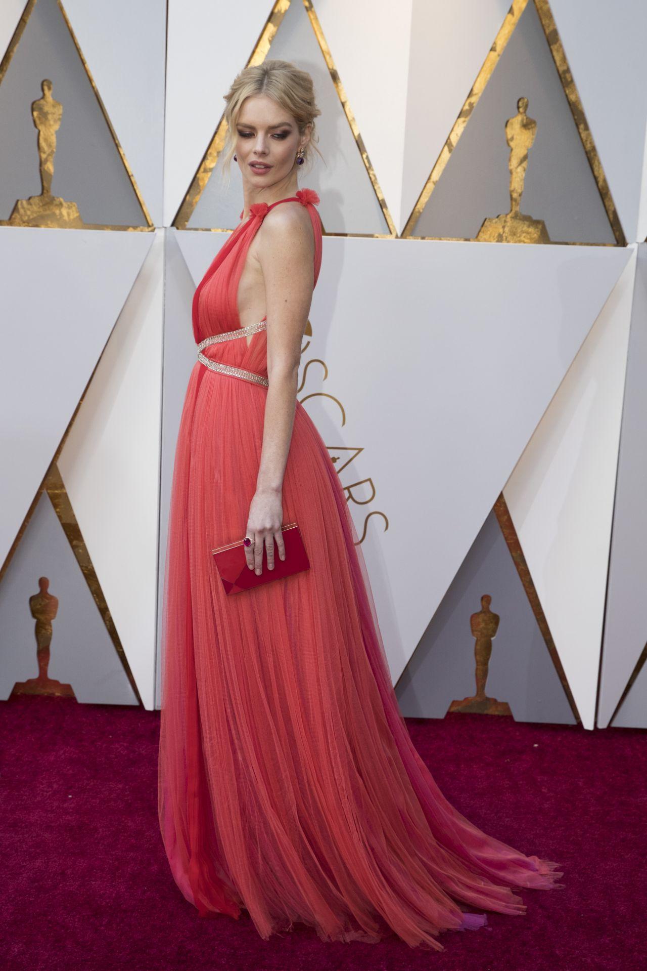 Samara Weaving – Oscars 2018 Red Carpet