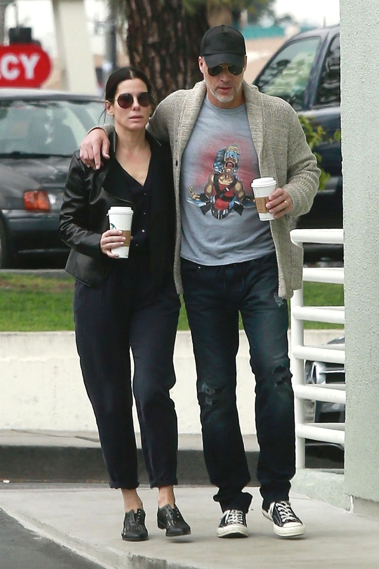 Who is Sandra Bullock dating Sandra Bullock boyfriend husband