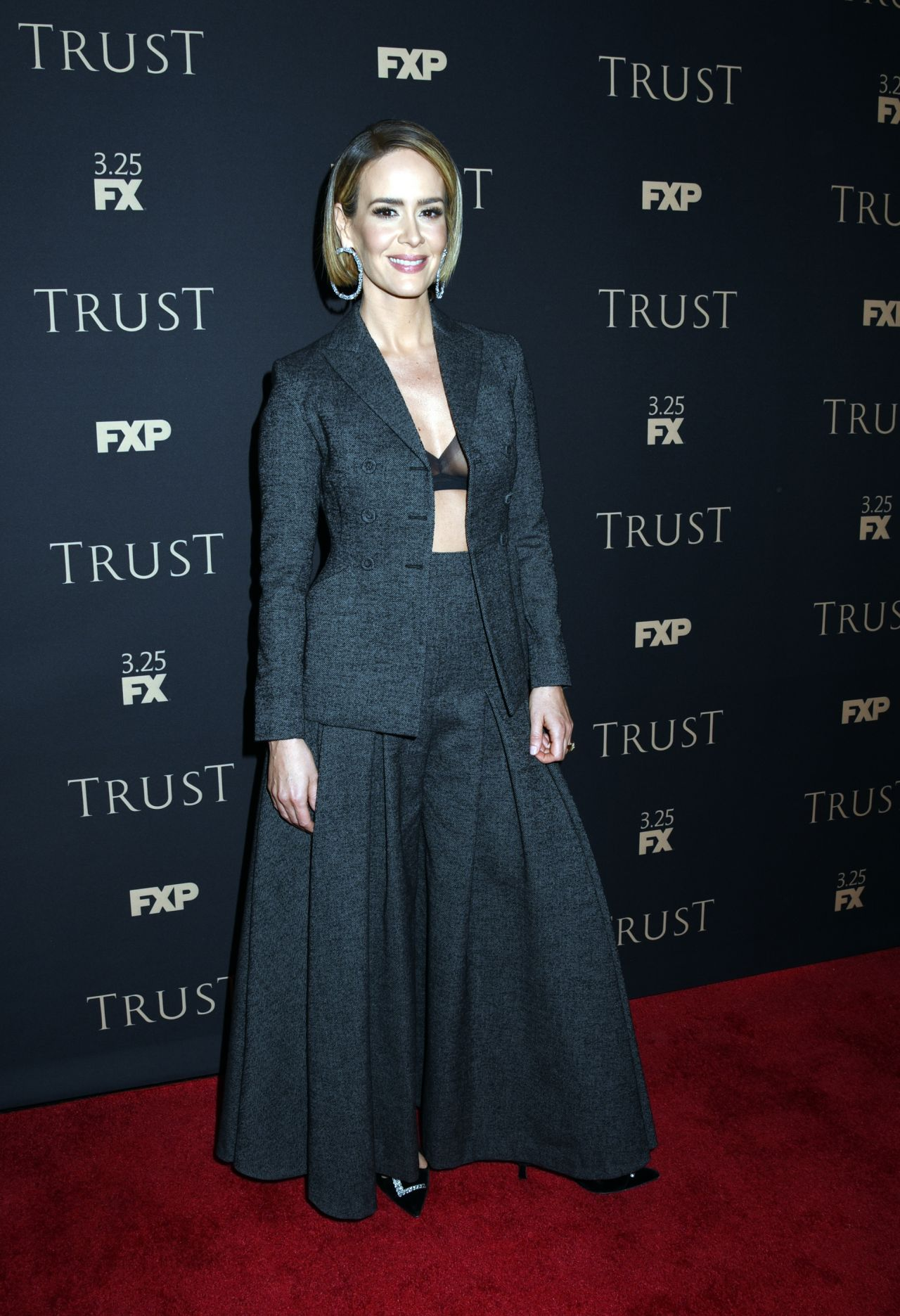 http://celebmafia.com/wp-content/uploads/2018/03/sarah-paulson-fx-all-star-party-in-new-york-03-15-2018-4.jpg