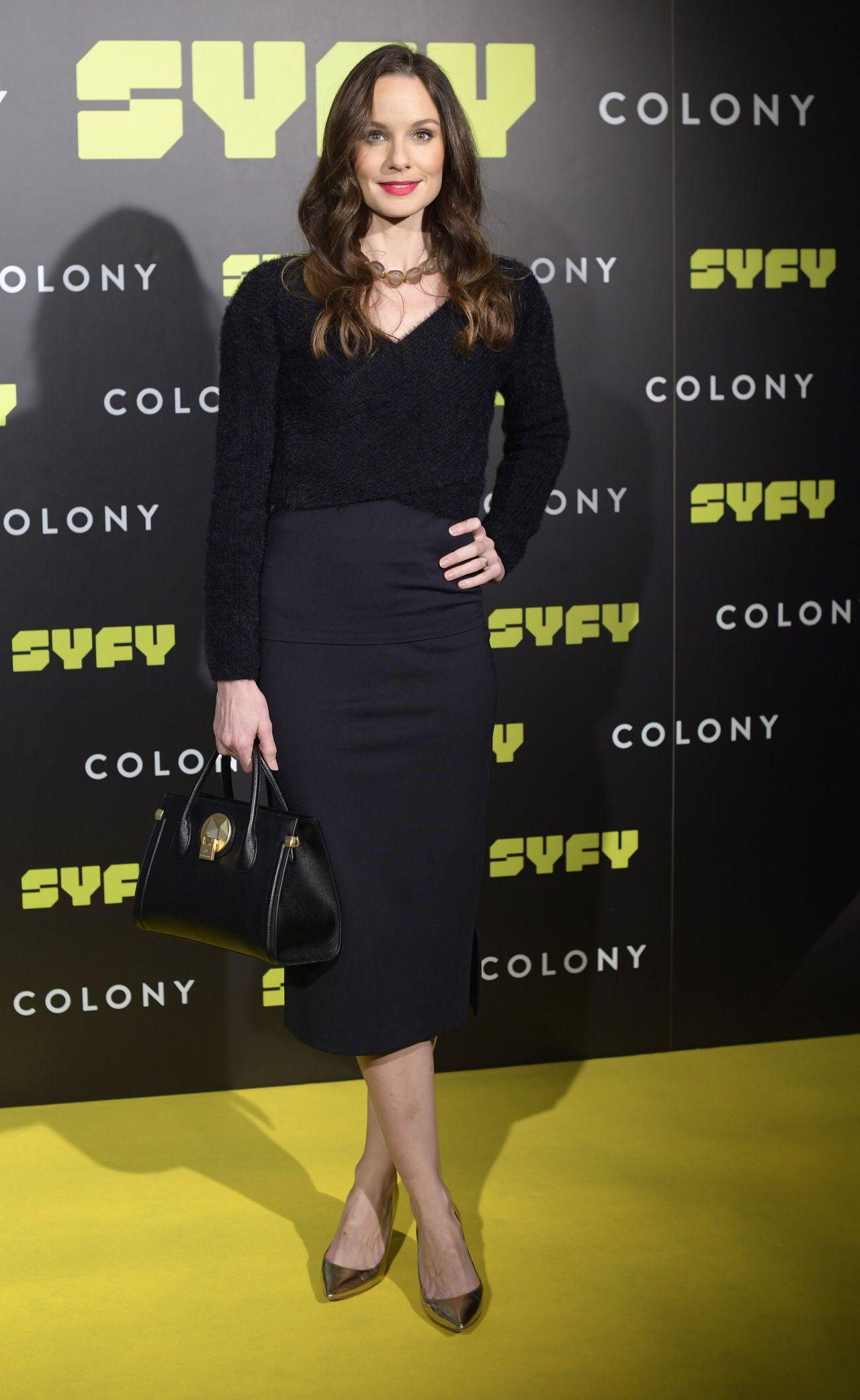 http://celebmafia.com/wp-content/uploads/2018/03/sarah-wayne-callies-colony-photocall-in-madrid-12.jpg