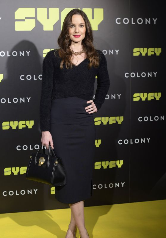 "Sarah Wayne Callies - ""Colony"" Photocall in Madrid"