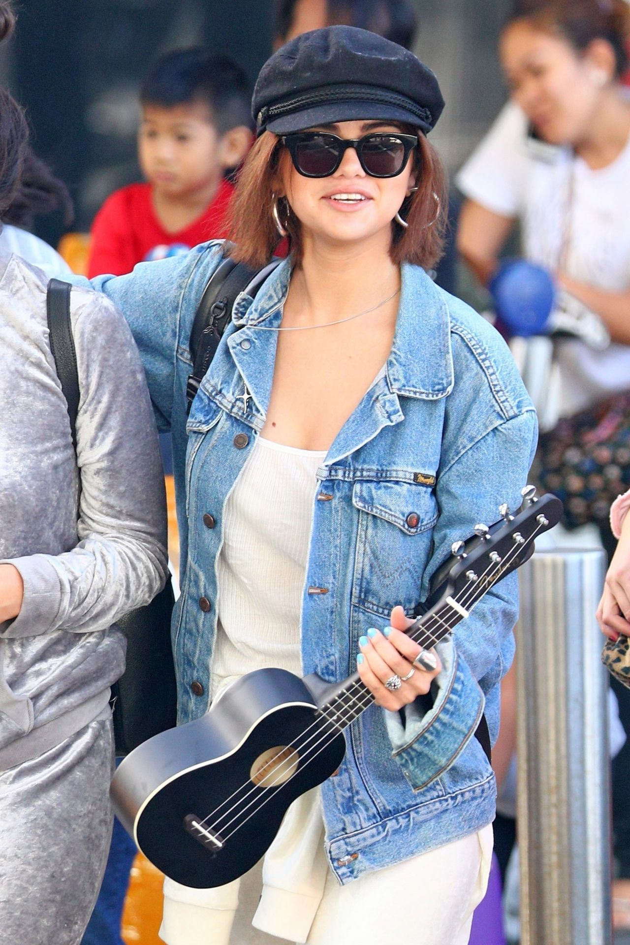 Selena gomez dating in Sydney