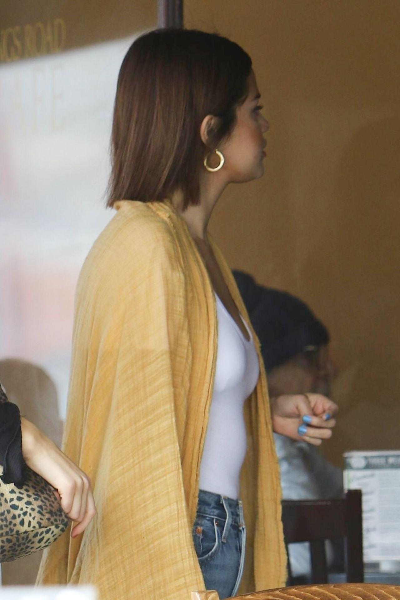 Selena Gomez Street Style Beverly Hills 03 17 2018