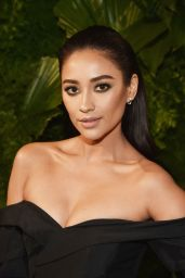 Shay Mitchell - 2018 A+E Network Upfront Event in NYC