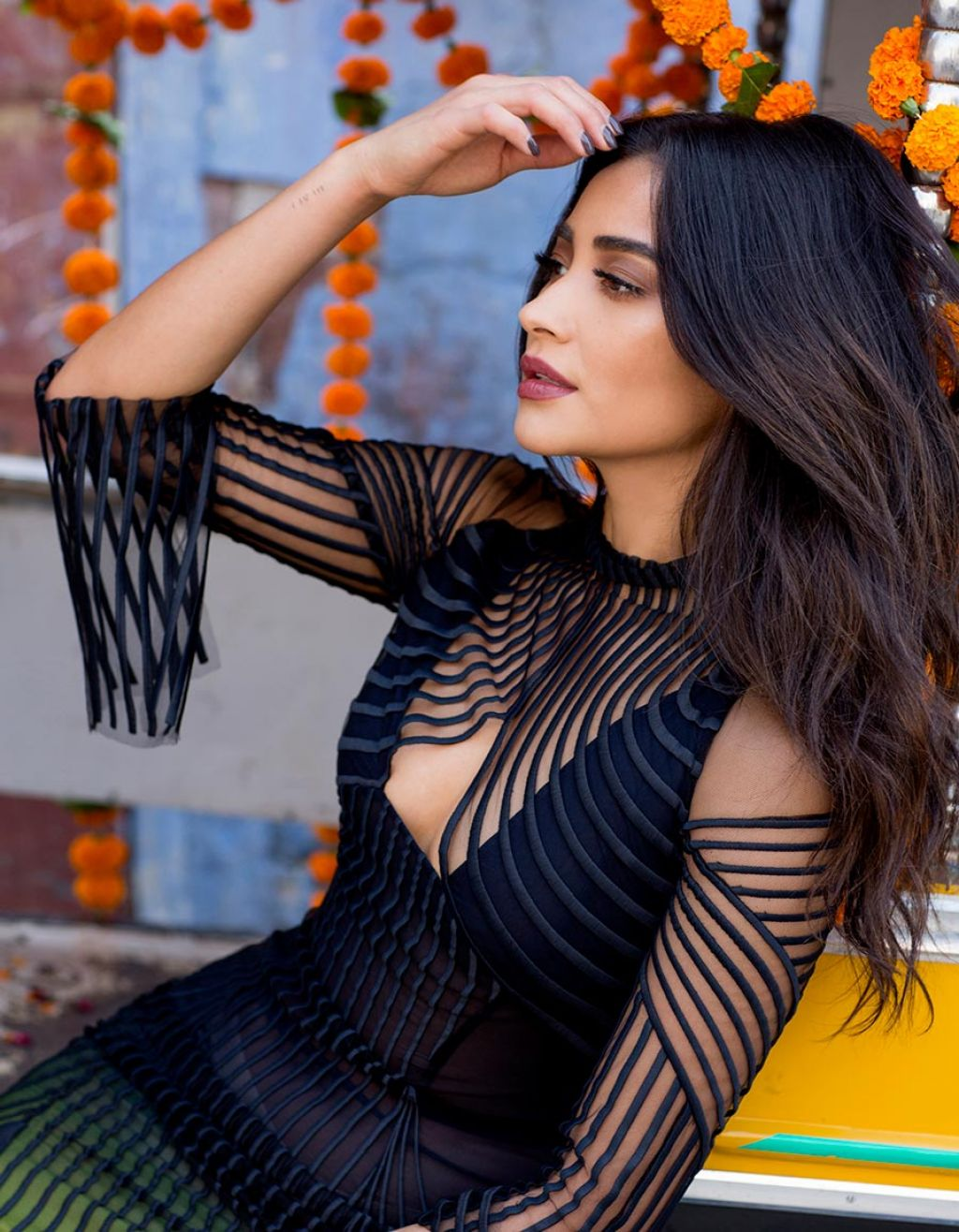 http://celebmafia.com/wp-content/uploads/2018/03/shay-mitchell-photoshoot-for-modeliste-magazine-march-2018-21.jpg