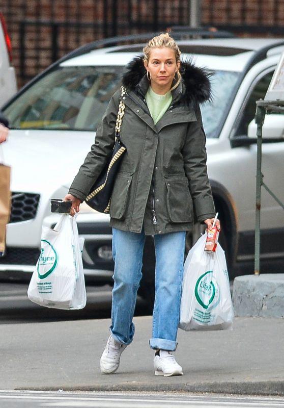 Sienna Miller - Shopping in New York City 03/12/2018
