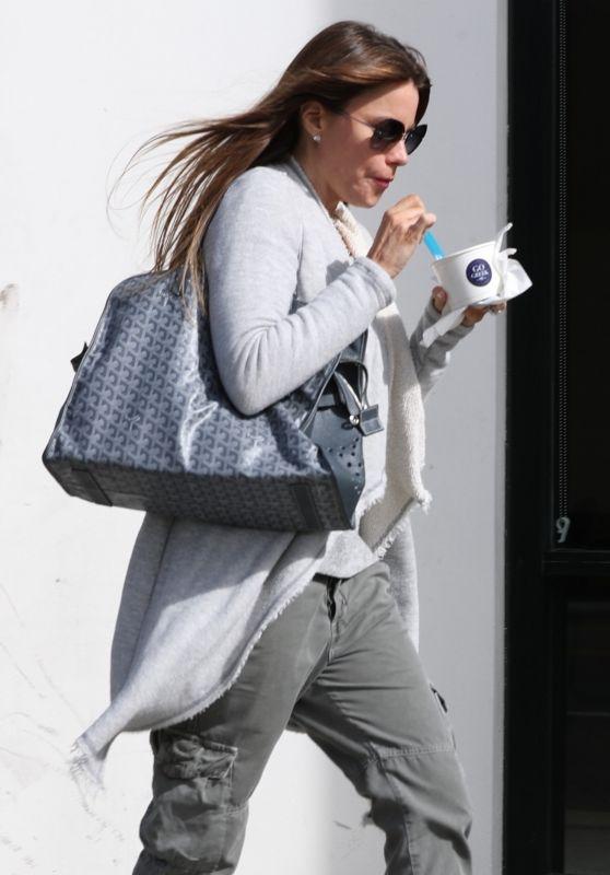 Sofia Vergara - Gets a Light Snack From Go Greek Yogurt in Beverly Hills 03/14/2018
