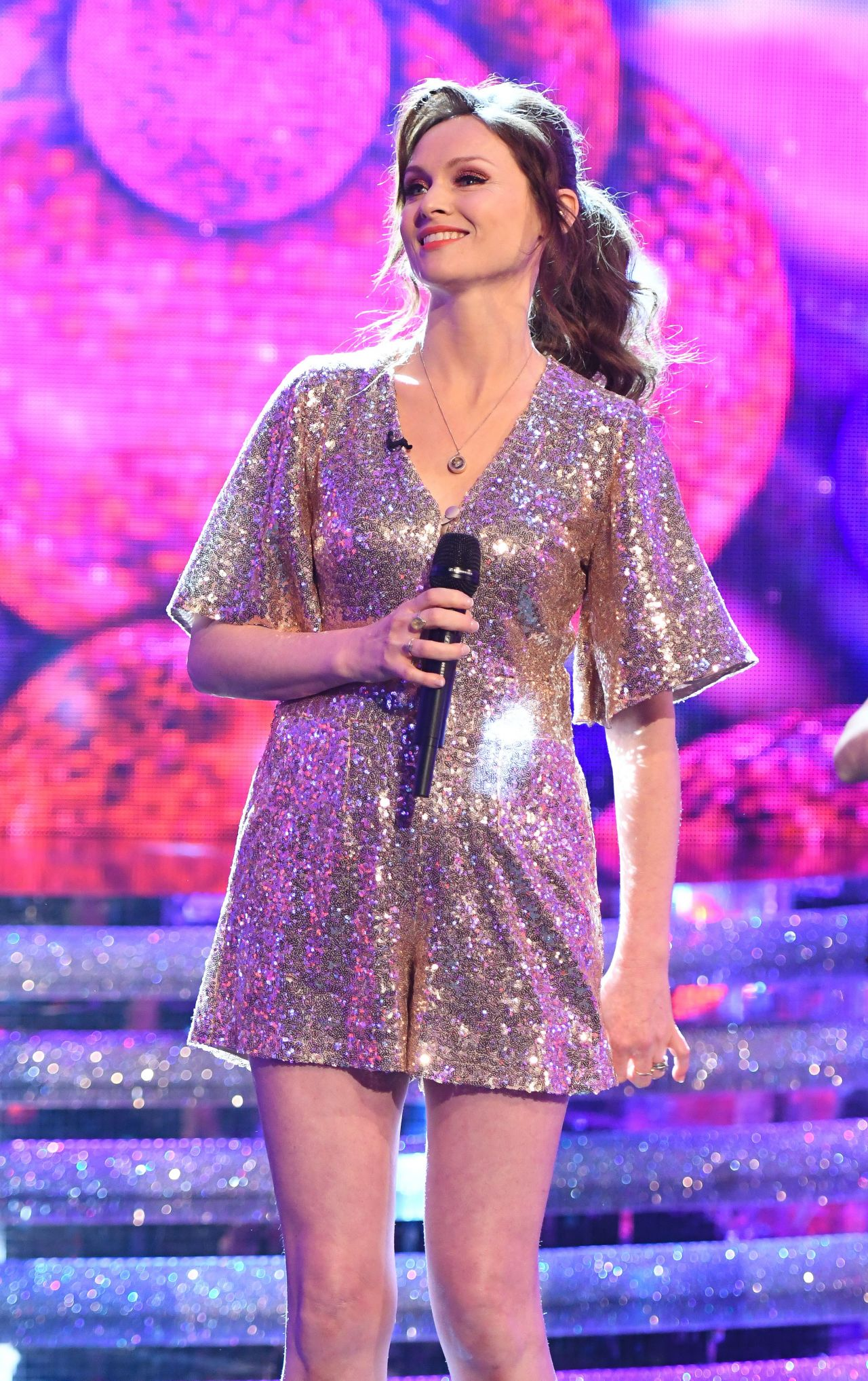 http://celebmafia.com/wp-content/uploads/2018/03/sophie-ellis-bextor-ant-dec-s-saturday-night-takeaway-tv-show-in-london-2.jpg