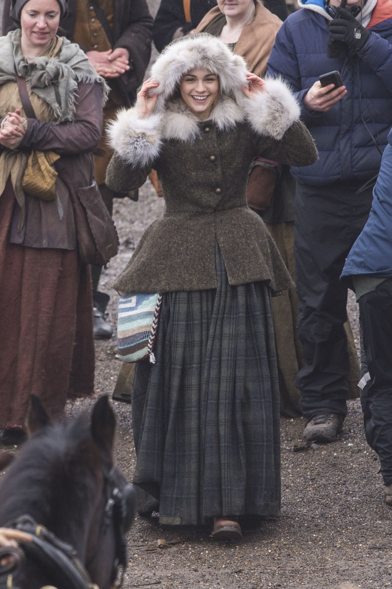 """Filming In Progress The Most Beautiful Actress In The World: Filming """"Outlander"""" Season 4 In Dunure 03"""