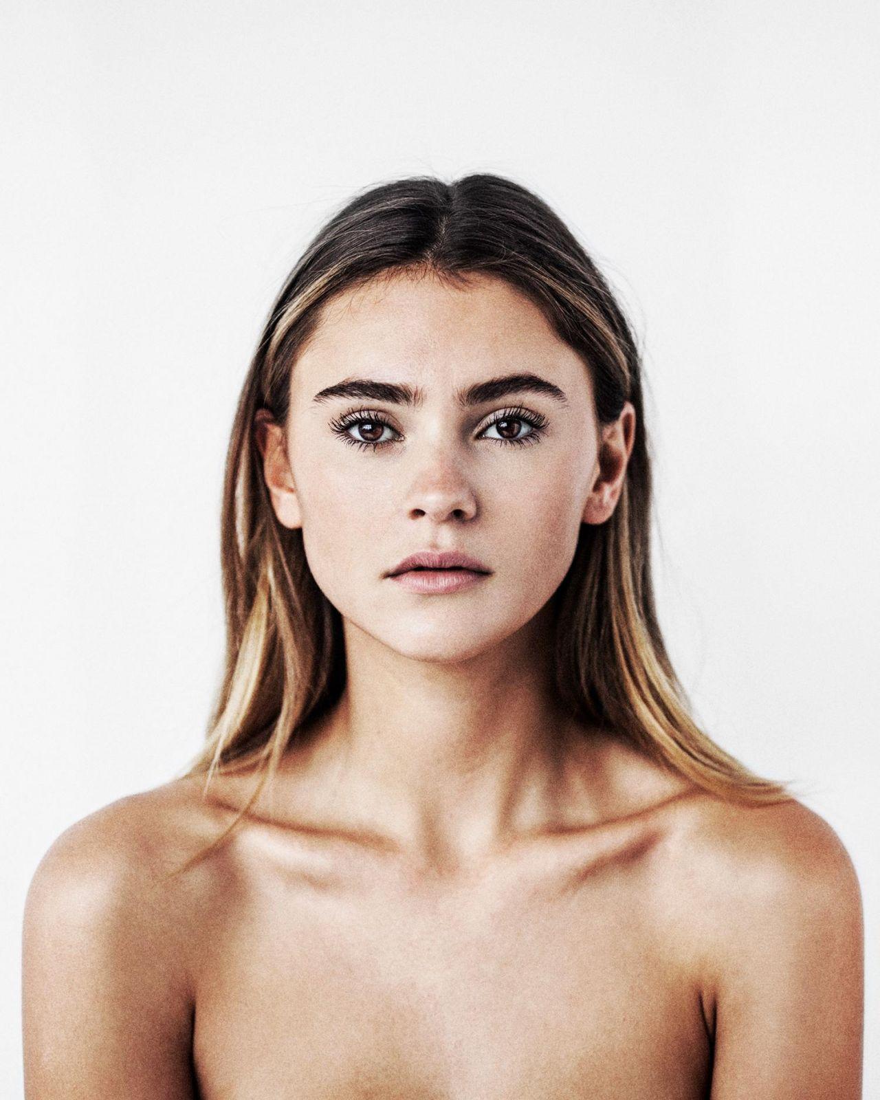 Claudia Vieira Nude Photos