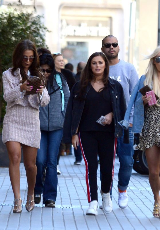 Yazmin Oukhellou, Courtney Green and Amber Turner in Barcelona 03/12/2018