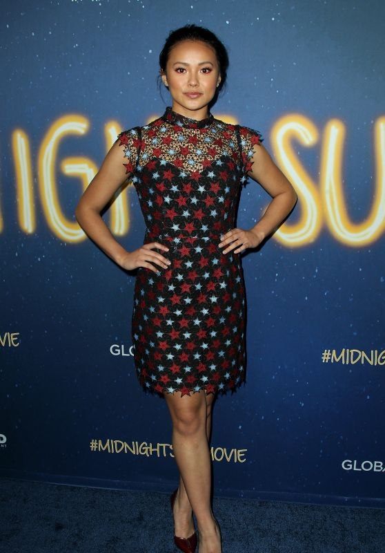 "Ysa Penarejo – ""Midnight Sun"" Premiere in LA"