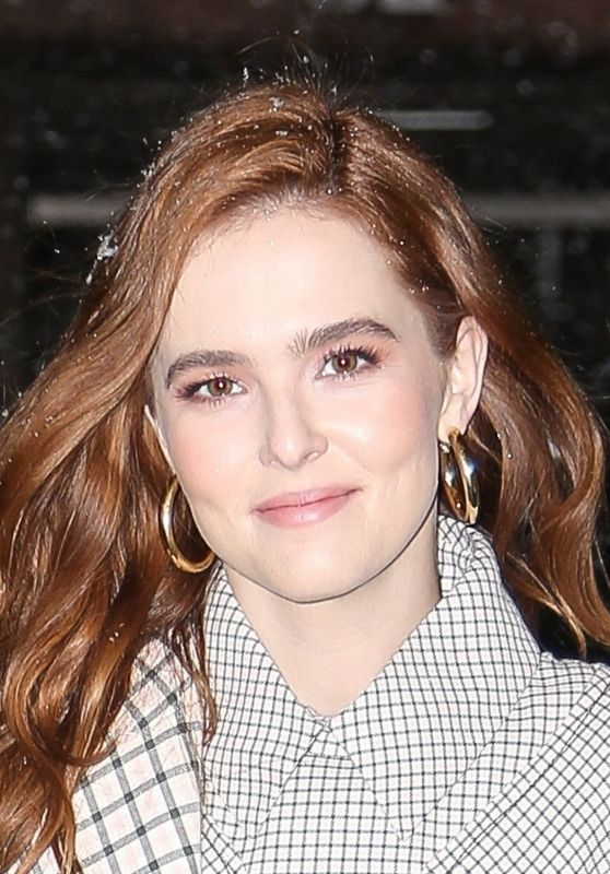 """Zoey Deutch - Outside of """"The Today Show"""" in NYC 03/21/2018"""