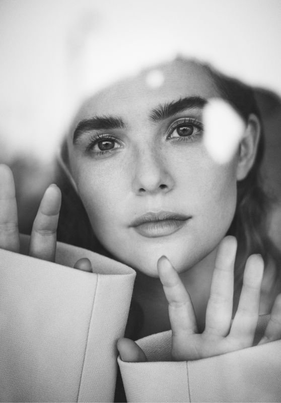 Zoey Deutch - Photoshoot for The Last Magazine March 2018