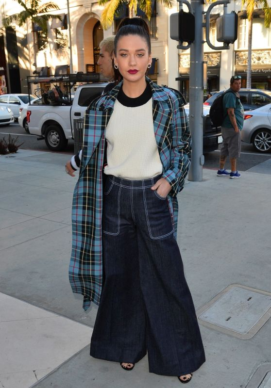 Amanda Steele - Arrives at a Party at the Rodeo Drive Burberry Store in Beverly Hills 04/18/2018