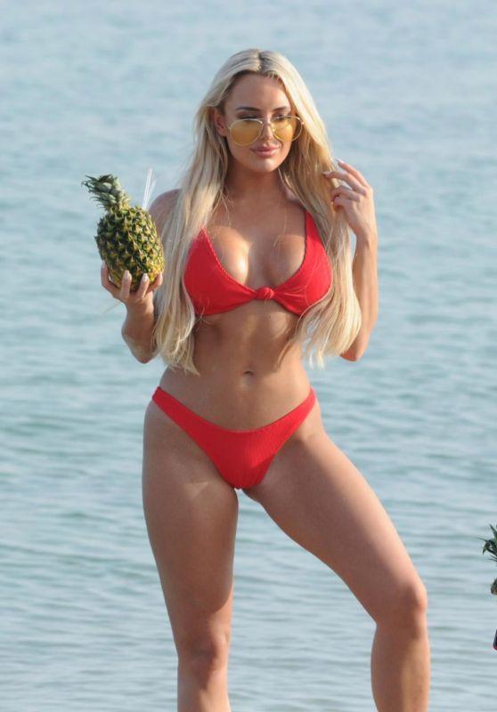 Amber Turner in Bikini in Dubai, April 2018