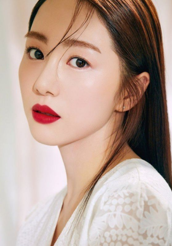 AOA Mina - CLIO Lipsticks Photoshoot 2018