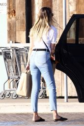 April Love Geary - Grocery Shopping in Malibu 04/18/2018