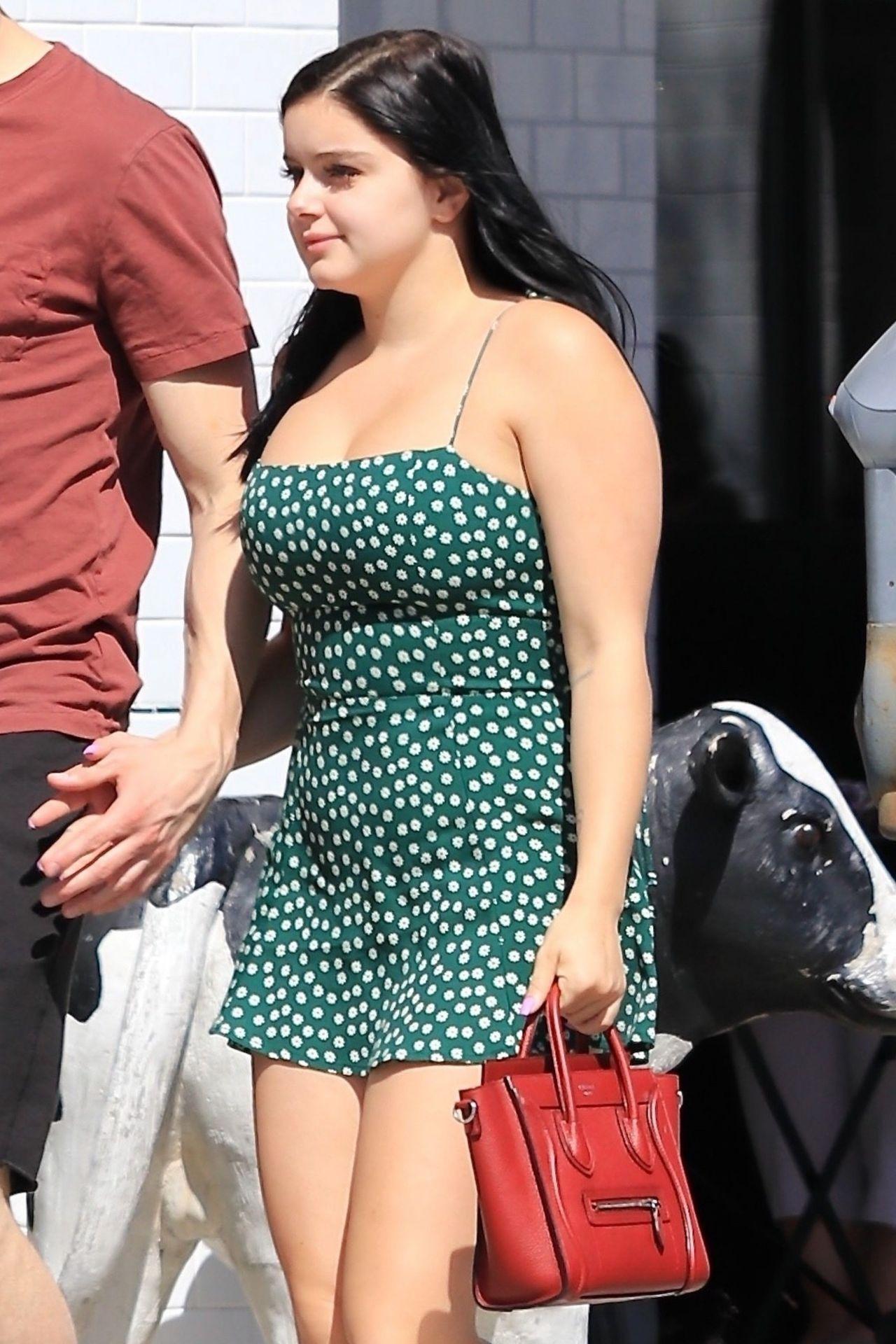 Ambyr Reyes ariel winter - shopping with her boyfriend in studio city 04