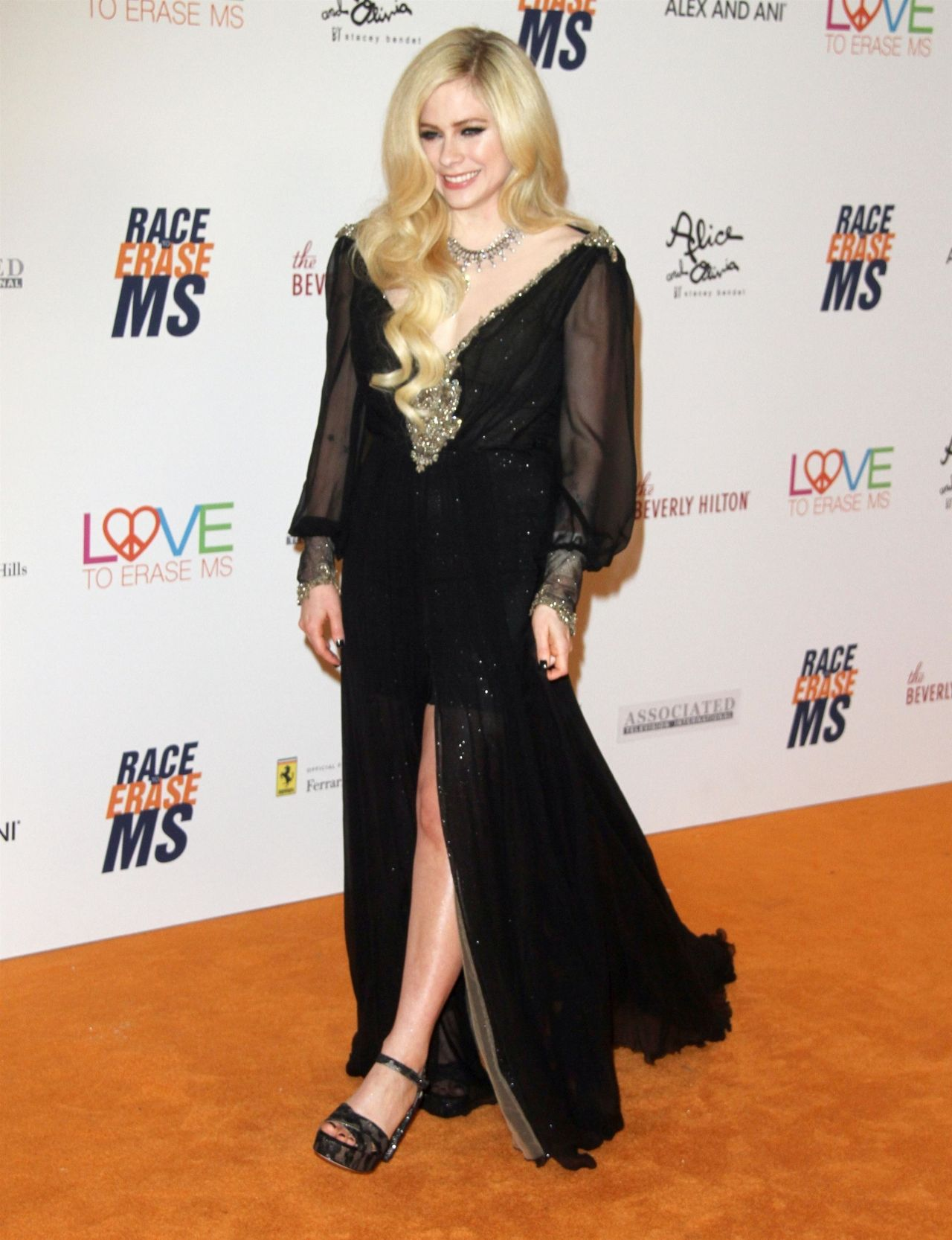 http://celebmafia.com/wp-content/uploads/2018/04/avril-lavigne-2018-race-to-erase-ms-gala-in-beverly-hills-7.jpg