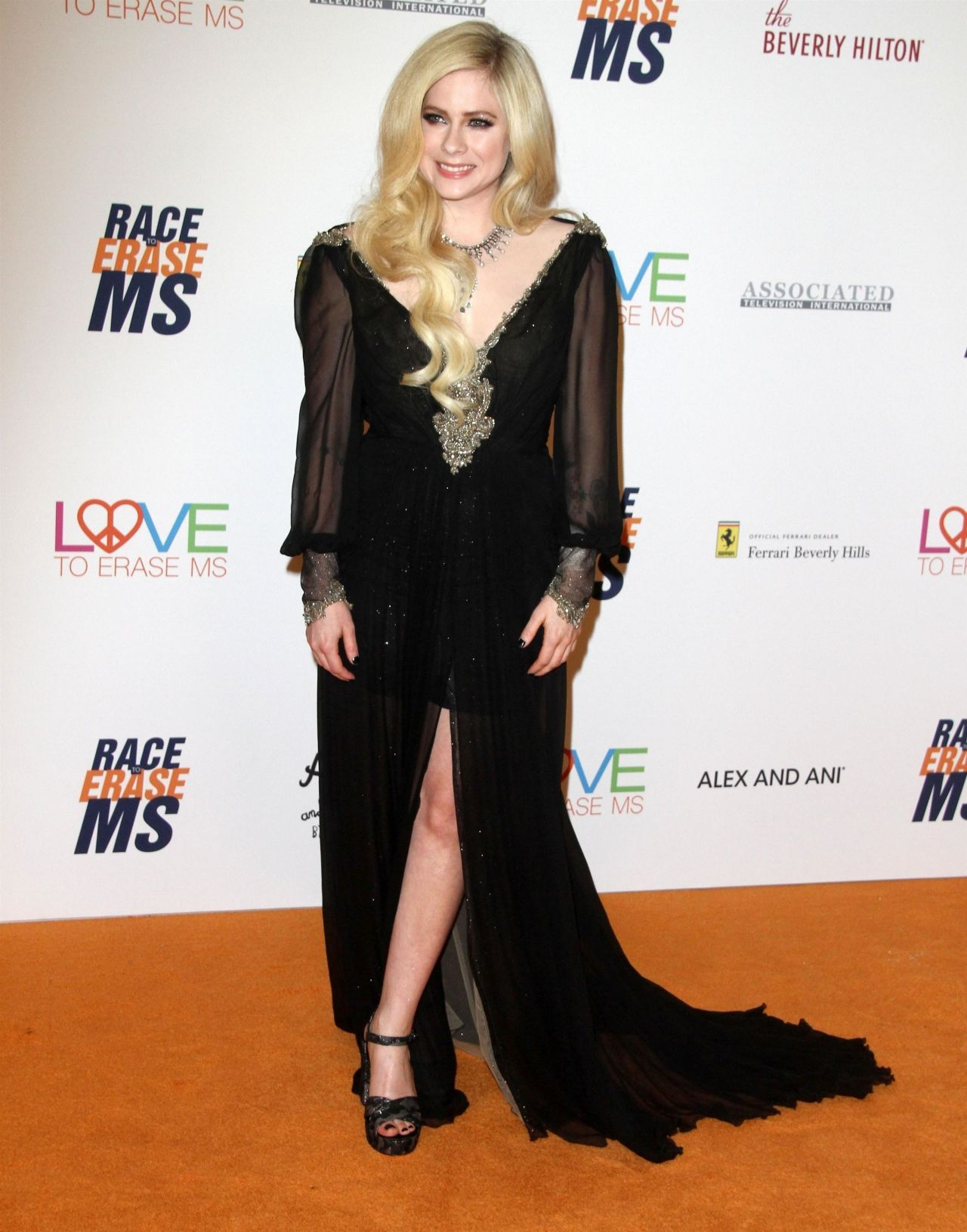Avril Lavigne 2018 Race To Erase Ms Gala In Beverly Hills