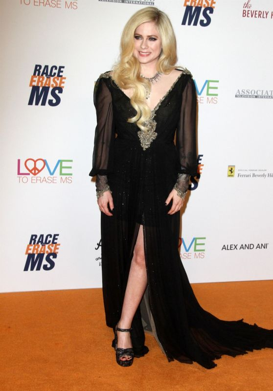 Avril Lavigne – 2018 Race To Erase MS Gala in Beverly Hills