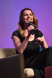 Betty Gilpin – Netflix 'GLOW' Presentation and Green Room for The Contenders Emmys in LA